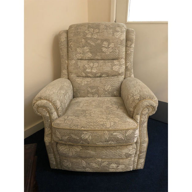 Picture of Langfield Gents Chair in SR15290 oatmeal